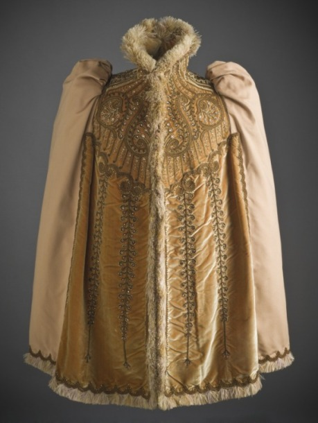 Emile Pingat Paris, mantle in wool, velvet, silk and osttrich feather trim, 1891c,LACMA USA