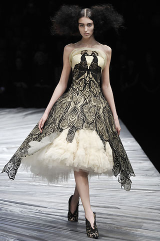 PeacockDress_McQueen 2008-9
