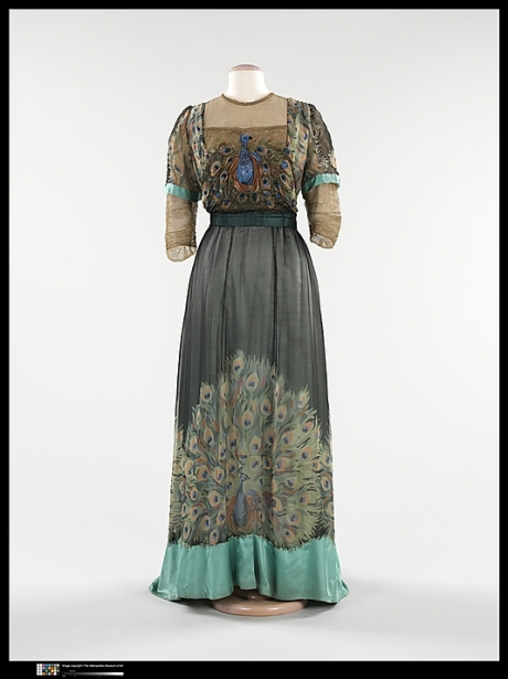 Weeks, evening dress peacockfeathers, 1910, Met NY