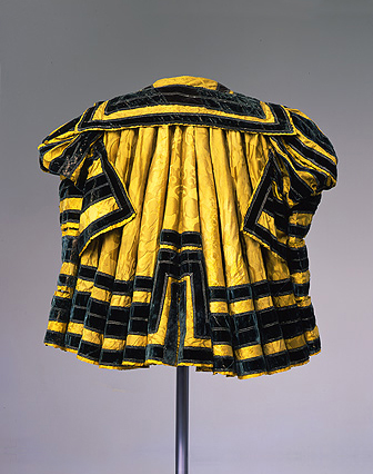 gown of Elector Moritz of Saxony 1521-1553,part of complete set,abegg-stiftung mus ch