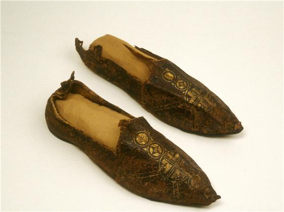 pantofole di pelle stampata con croce oro,VI-IXc,Walters mus Baltimore usa