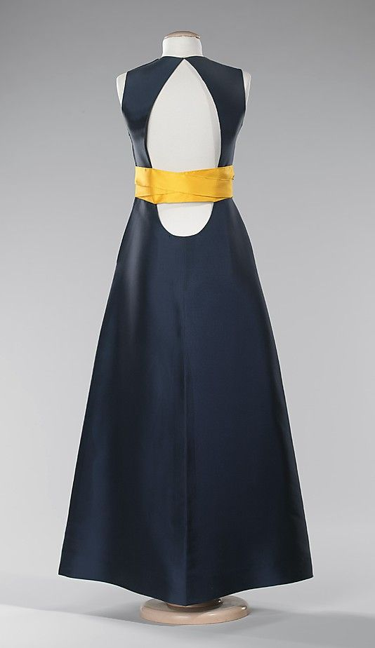 Mme Gres, sleevless dress, 1968 back, met ny