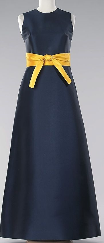 Mme Gres, sleevless dress, 1968
