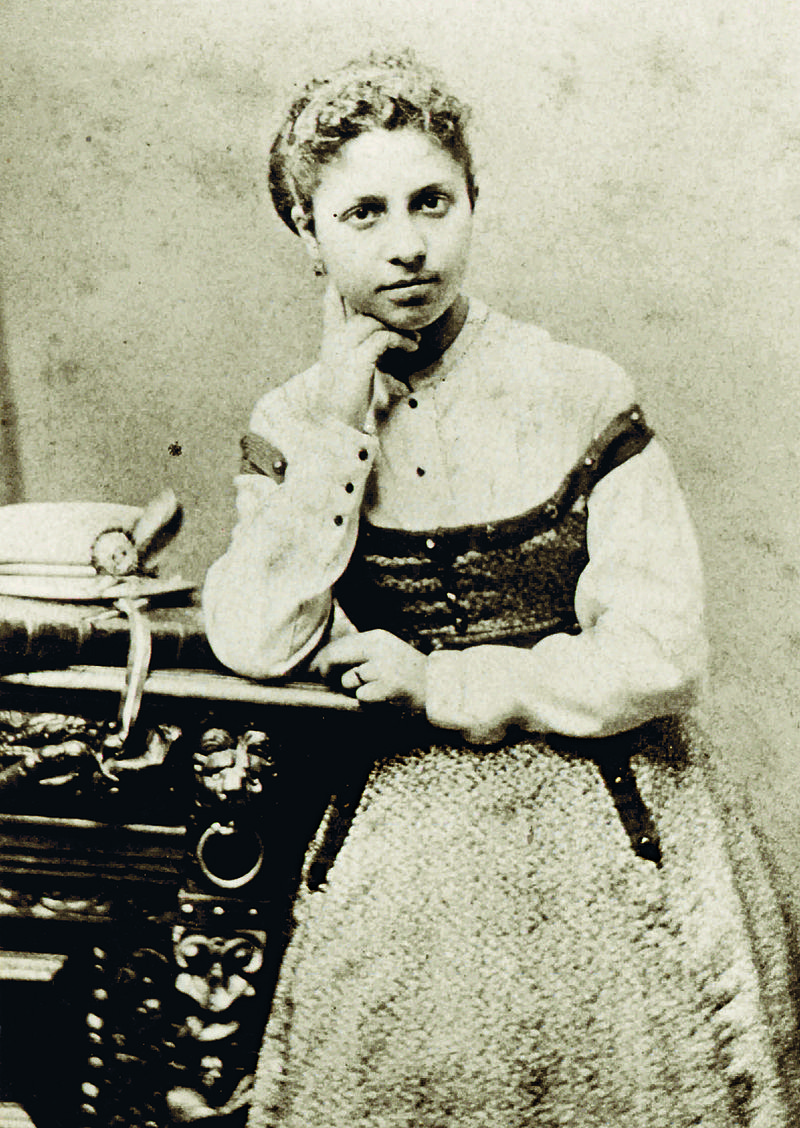 Lise_Tréhot_in_1864, model for A.Renoir, dressmaker